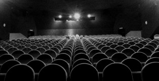 empty_cinema_room_by_malypluskwiak-d38x4pp-1024x768